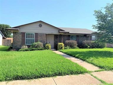 3417 Hillsdale Ln Garland, TX 75042